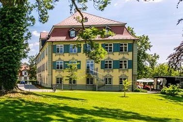 Schloss Neutrauchburg Firma