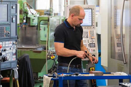 VIGOR-FEINGERÄTEBAU GmbH & Co. KG Firma